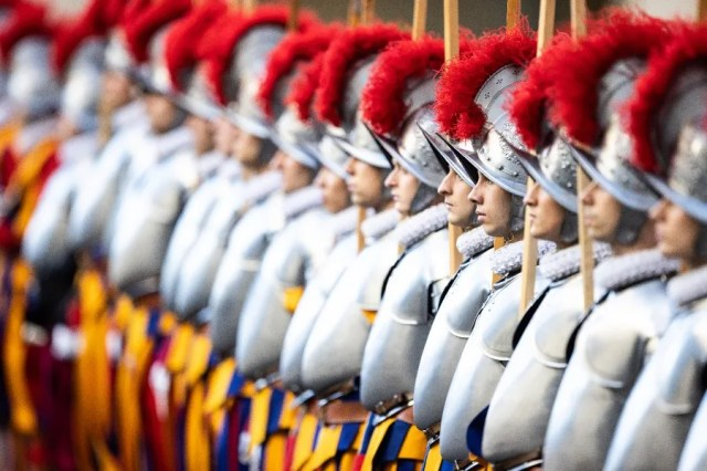 New Swiss Guards recruits are sworn in at a ceremony at the Vatican Oct. 4, 2020. .  Daniel Ibáñez/CNA.