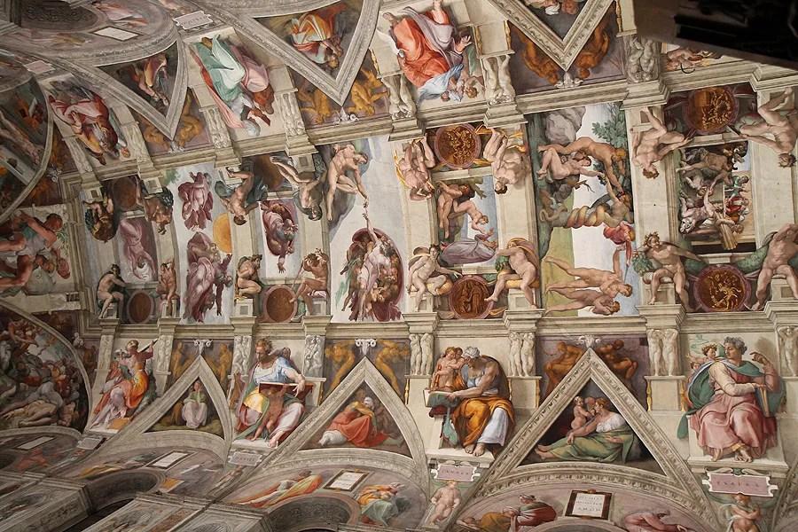 Vatican invites 150 homeless for dinner private tour of