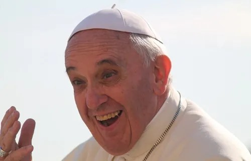 Pope Francis greets pilgrims during his General Audience in Saint Peter's Square on Sept. 25, 2013 Credit Elise Harris/CNA