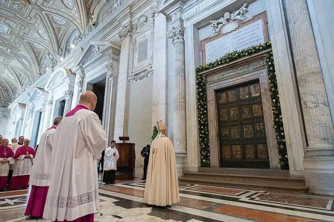 Pope Francis before the Holy Door of St. Peter's Basilica during the convocation of the Jubilee of Mercy, April 11, 2015. Credit: L'Osservatore Romano.