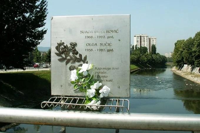 https://i0.wp.com/www.catholicnewsagency.com/images/size680/Vrbanja_bridge_in_Sarajevo_Bosnia_and_Herzegovina_commemorating_Suada_Dilberovic_and_Olga_Sucic_Credit_jaimesilva_via_Flickr_CC_BY_NC_ND_20_CNA.jpg