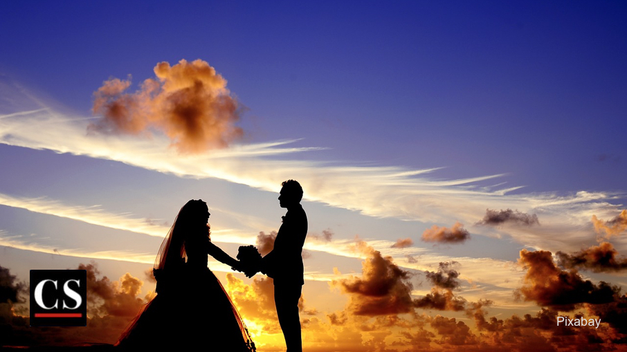 Pixabay - bridal couple sunset
