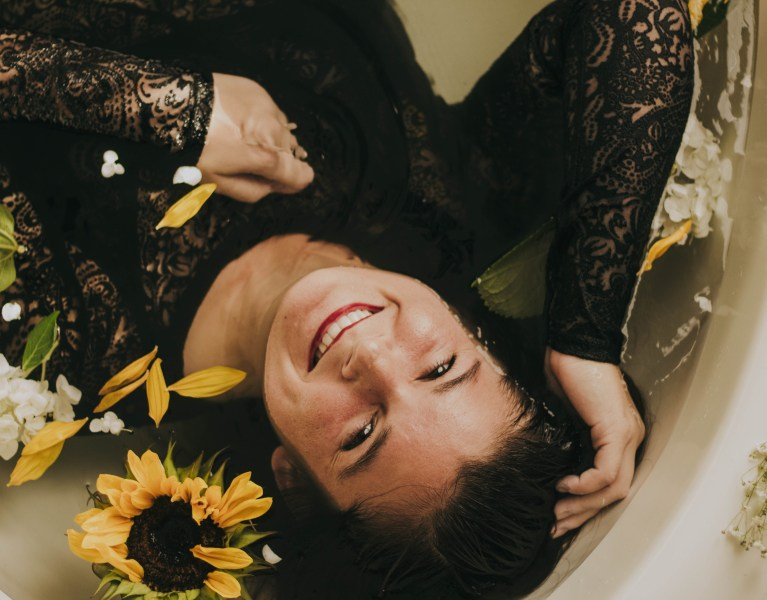 Chelsey + the Flowers in the Tub
