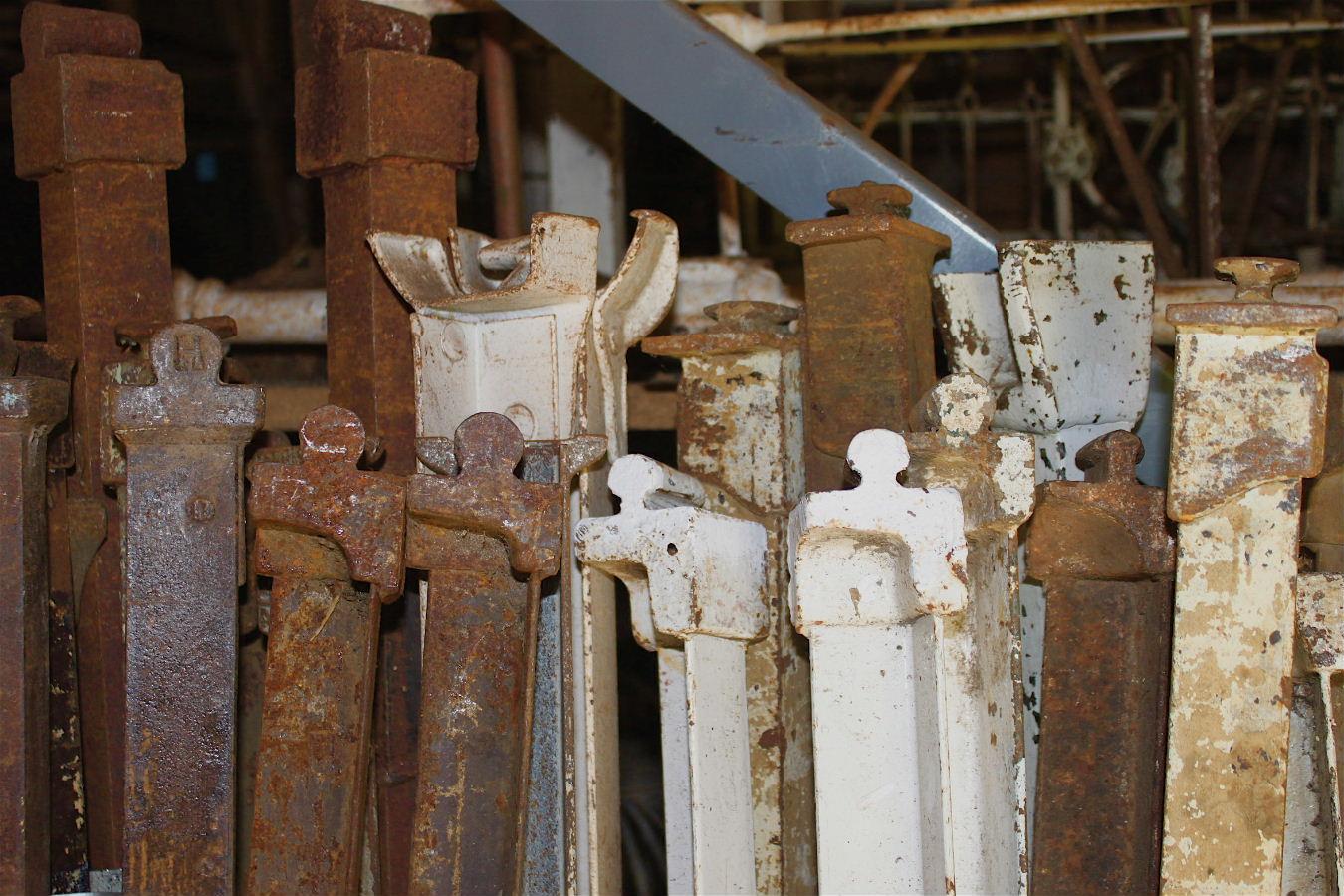 Side Rails Cathouse Antique Iron Beds