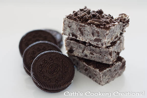 Cookies and Cream Fudge from Cath's Cookery Creations! | www.cathscookerycreations.com