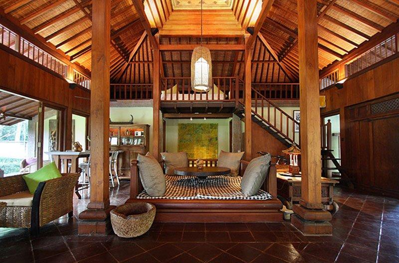 Cat Kayu Yang Bagus Dan Tahan Lama Untuk Desain Rumah Bali
