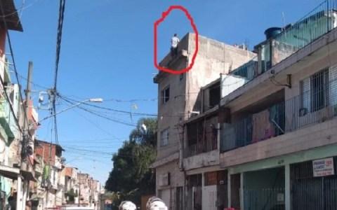video cansado de dificuldades homem tenta pular de predio mas a policia age rapido assista