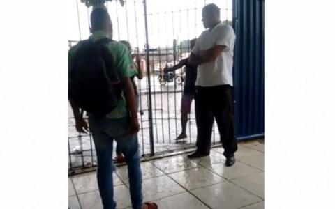 video jovens brigam violentamente em escola na pb assista
