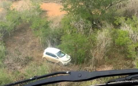 carro usado por criminosos que mataram policial e encontrado pela policia