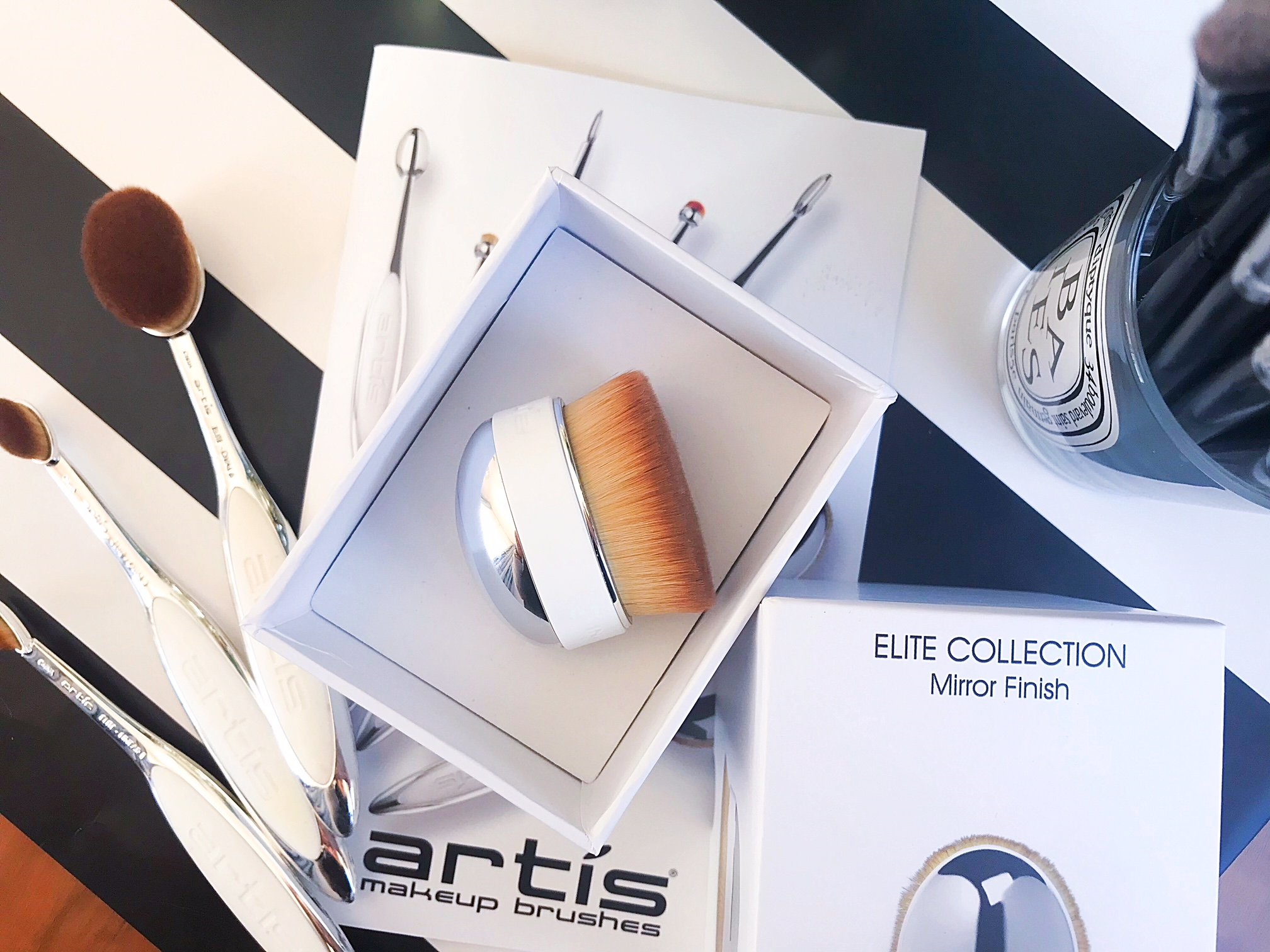 Beauty Tools that Make a Difference | ft  Artis Palm Brush