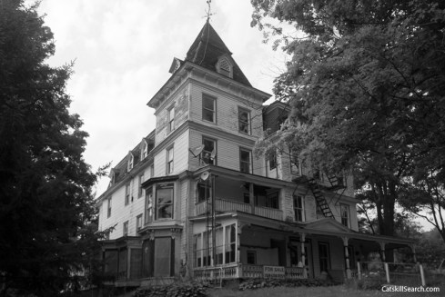 Mountain View House (2010)