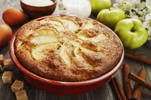 5 Quick and Easy Apple Recipes for Kids - Simple Apple Sponge Pudding