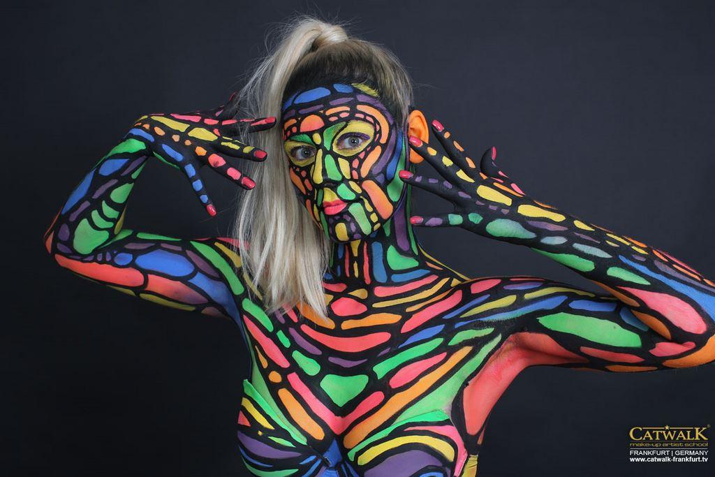 Bodypainting mit Airbrush und Pinsel  Catwalk Makeup