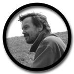 Werner Hessing betreut an der KVHS Norden Jugendliche, hinterm Deich lebt und werkelt er.