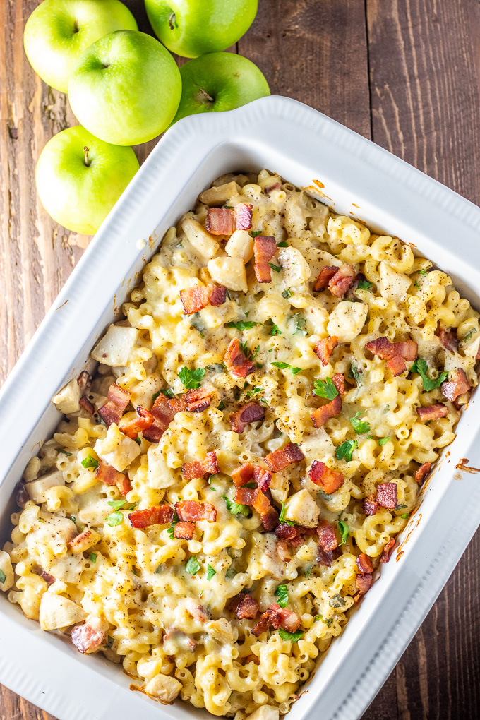 Sweet & savory, with salty bacon, tart apples, & sharp cheesy goodness - Apple Bacon Mac and Cheese is the easy comfort food recipe you've been looking for!