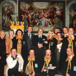 """I Cavalieri del Fiume Azzurro e il Prof. Ogliari presso la Sala """"Ulisse Bosisio"""" del Monastero di S. Michele a Lonate Pozzolo"""