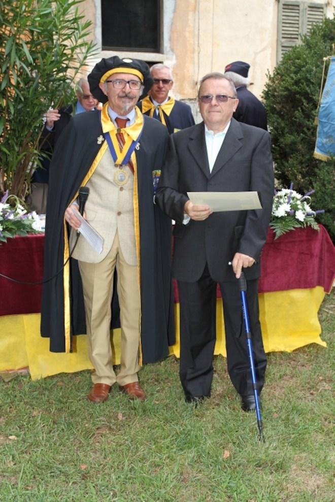 Bertoni e Regalia consegna medaglia