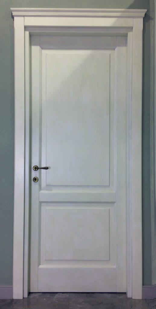Porte interne in legno massiccio pantografate