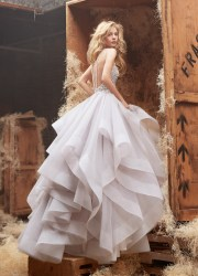 4 beautiful wedding gown designers