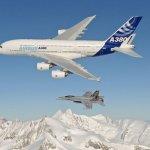 IMAGENS: Força Aérea da Suíça divulga belíssimas imagens do A380 voando sobre os Alpes Suíços