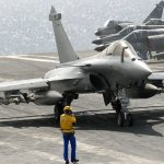 Porta-aviões francês Charles de Gaulle e seus caças Rafale devem partir mais uma vez para o Afeganistão