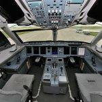 IMAGENS: Cockpit e interior do Sukhoi Superjet 100