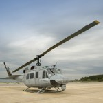 Helicóptero UH-1N utilizado como plataforma de testes de aviônicos