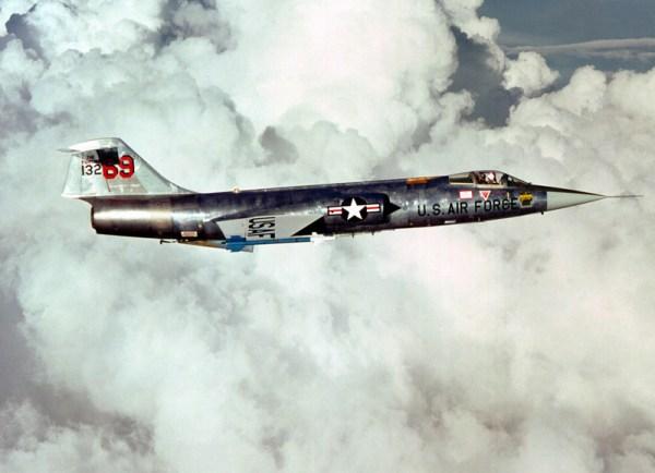 F 104 1 349sqn be 600x434 - CAÇAS CENTURY: Lockheed F-104 Starfighter