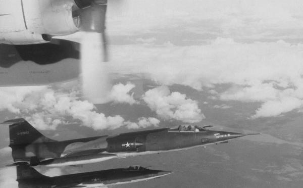 F 104 1 916 starfighter 600x372 - CAÇAS CENTURY: Lockheed F-104 Starfighter
