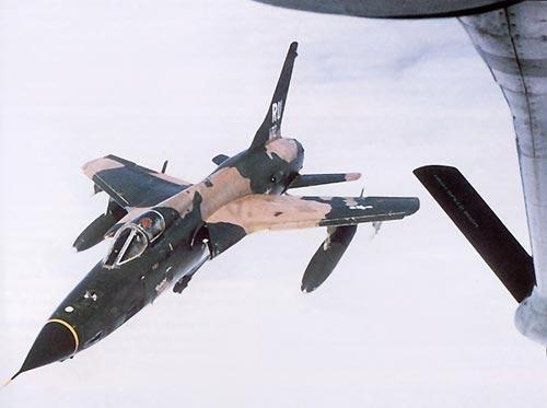 F 105 revo uploadimage - CAÇAS CENTURY: Republic F-105 Thunderchief