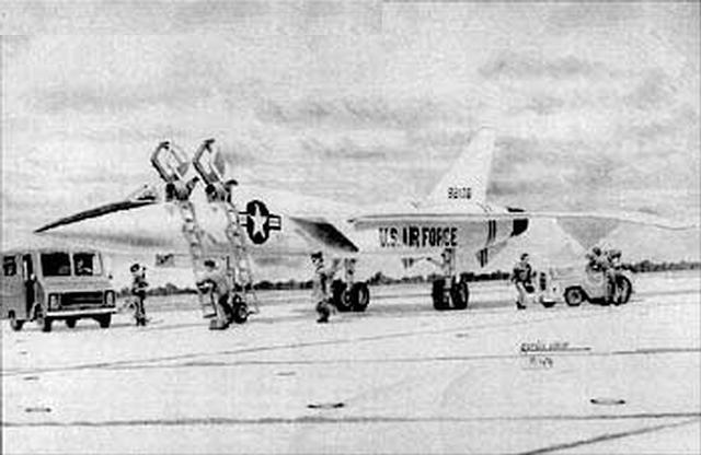 XF 108 5 - GUERRA FRIA: A tecnologia que o F-14 Tomcat herdou