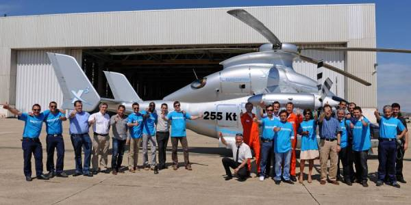 A equipe do projeto X3 da Eurocopter.