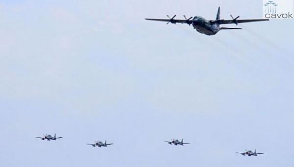 Para travessia dos Super Tucanos será utilizado uma aeronave de apoio C-130 Hercules.