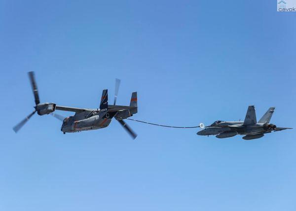 Um MV-22 Osprey foi usado para testes de reabastecimento aéreo de um Super Hornet da Marinha dos EUA. (Foto: Bell/Boeing)