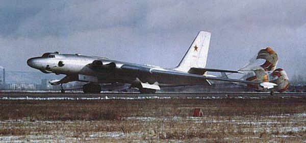 01A - Bombardeiros Soviéticos: Myasishchev M-4