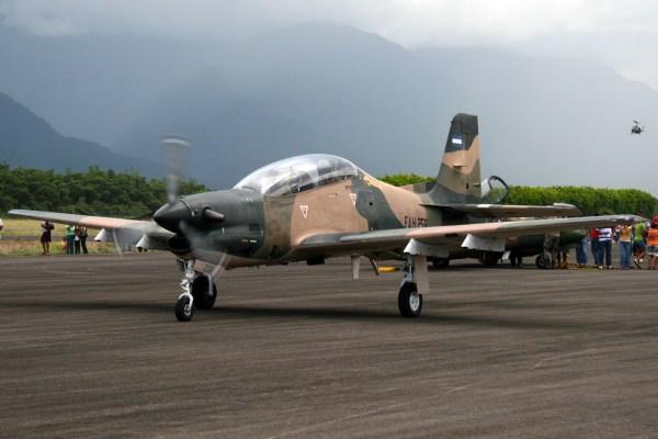 A-27 da FAH. Essas aeronaves foram adquiridas nos anos 80.