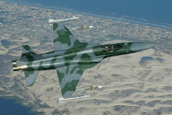 F-5EM_Top_AIM-9s_Derbys_FAB_lg