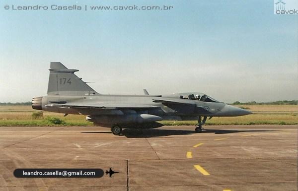 JAS 39A Gripen SAF 174 BACO 06ABR2000_Leandro Casella digitalizar0006copia