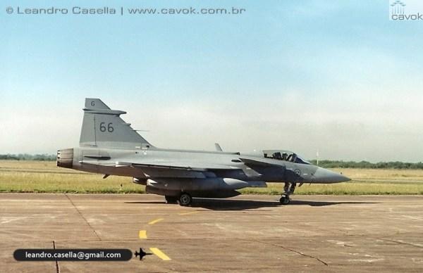 JAS 39A Gripen SAF 66 BACO 06ABR2000_Leandro Casella digitalizar0001copia