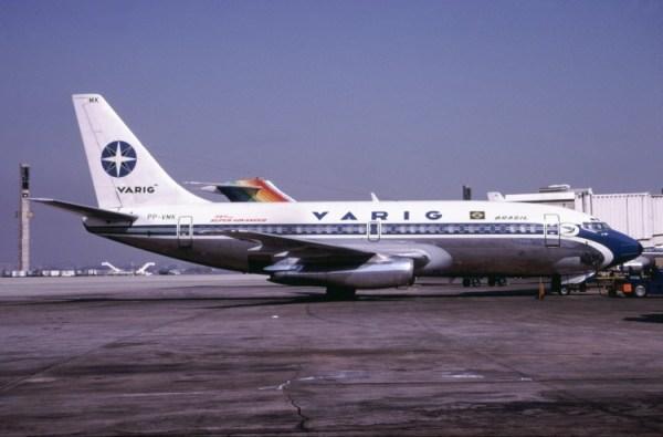 Boeing 737-200 prefixo PP-VMK