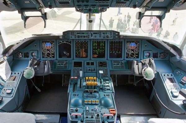 AN-70 cockpit