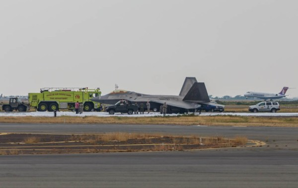 F-22 landing problems January 14 2015 - usaf