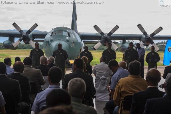 Várias autoridades brasileiras e norte-americanas estiveram presentes na cerimônia de incorporação do C-130 ao acervo do MUSAL. (Fotos: Mauro Lins de Barros / cavok)