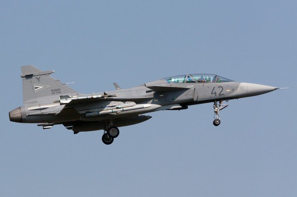 Hungarian_Air_Force_Saab_JAS-39D_Gripen_Registration-42 - Lukasz Stawiarz