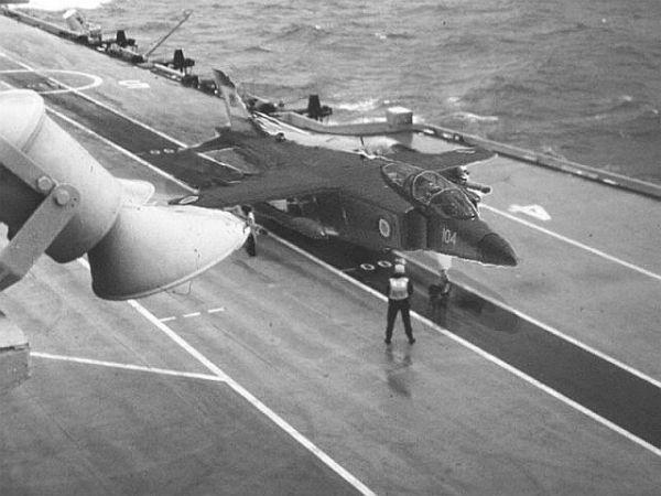 Concepção digital do P.1154 da Royal Navy.