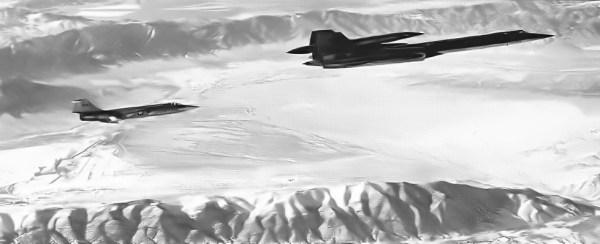 Conjunto M-21 Artigo 134 (60-6940) + D-21, comandado pelo piloto de testes da Lockheed, Bill Park, durante a realização do voo inaugural, em 22.12.1964 - Lockheed Martin (4)