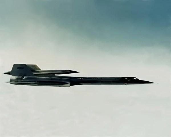 Conjunto M-21 Artigo 134 (60-6940) + D-21, comandado pelo piloto de testes da Lockheed, Bill Park, durante a realização do voo inaugural, em 22.12.1964 - Lockheed Martin (5)