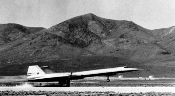 First landing of A-12 #924 at Area 51