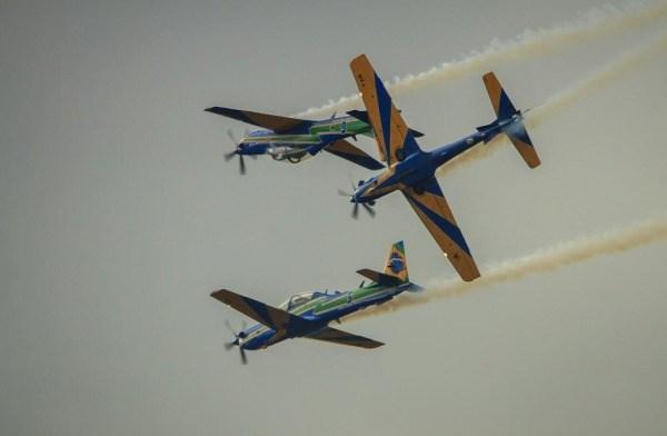 A Esquadrilha da Fumaça realizou suas primeiras apresentações públicas com os A-29 durante a EAB Air Show em Maringá. (Foto: Sgt. Batista / Agência Força Aérea)
