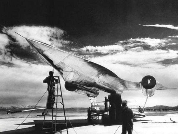 modelo em escala real do A-12 durante os testes de validação do RCS - Lockheed Martin